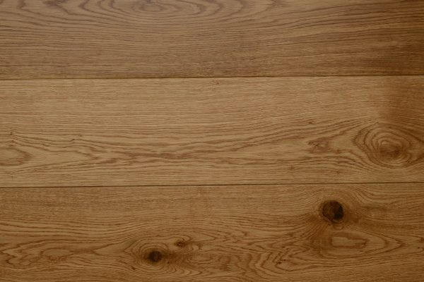 Lacquered_FSCEuroOak_RusticPlank_Engineered_1